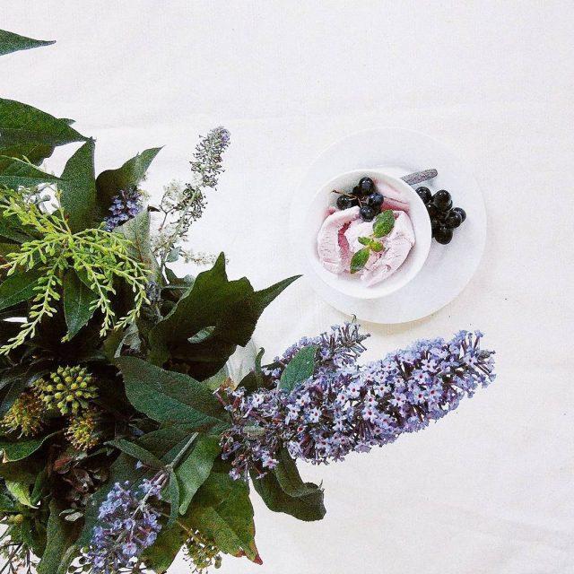 Dalej slodkosci inmykitchen interiordesign flowerpower feedfeed onthebed onthetable feedfeed tvstilllifehellip