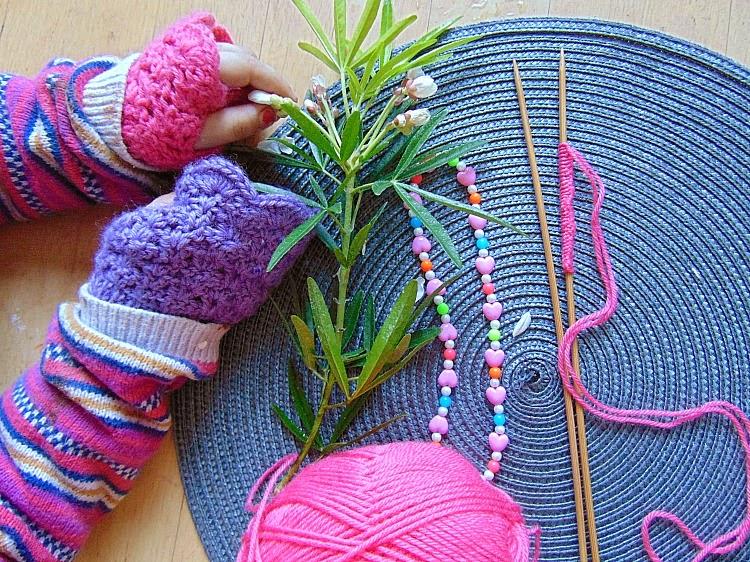 jak zajść w ciążę, crochet, mitenki dla dziecka