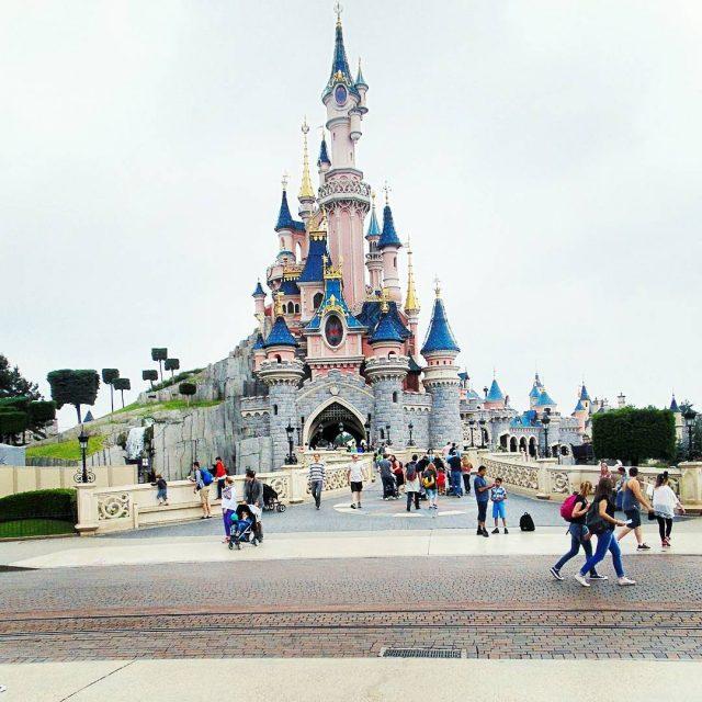 Disneyland Paris Lendroit le plus magique  Paris Magiczne miejscehellip