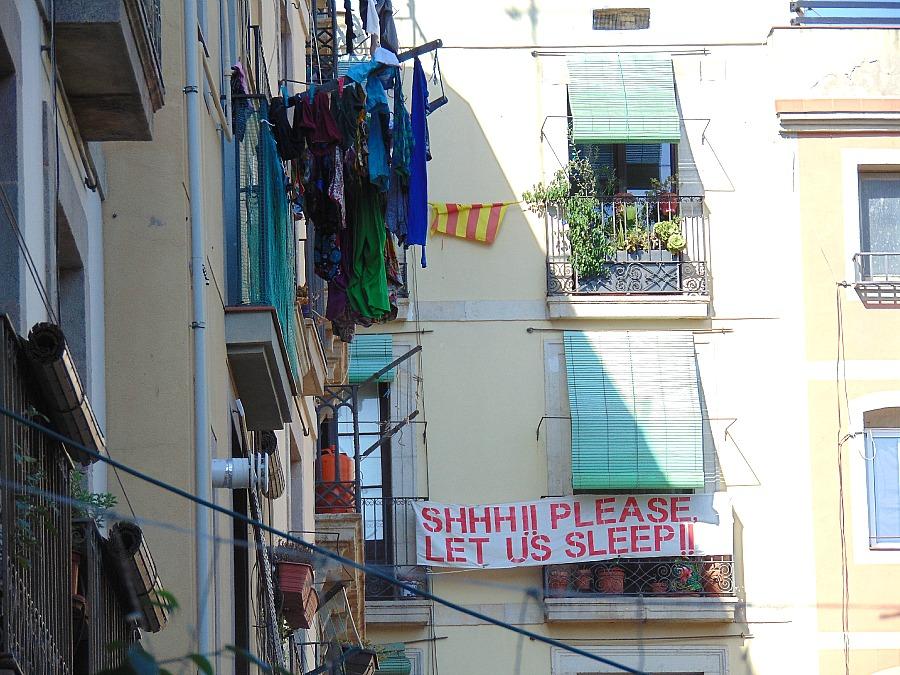 Barcelona. Ale czy ktoś tu pamięta o Barcelończykach? Please let us sleep.
