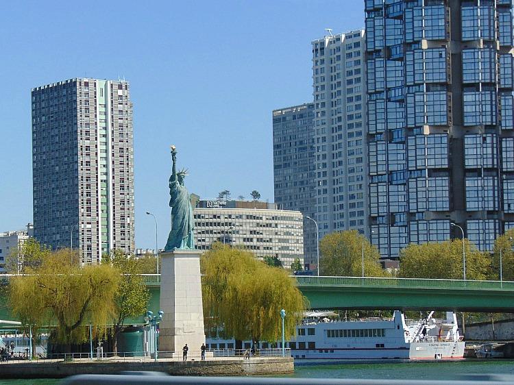 STATUA WOLNOSCI , statua wolnosci Paris paryż co warto zobaczyć