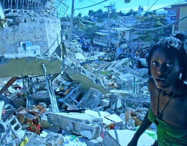 PODSTAWY FOTOGRAFII, Jak robić ładne zdjęcia TRZESIENIE ZIEMI NA HAITI FOTO THONY BELIZAIRE
