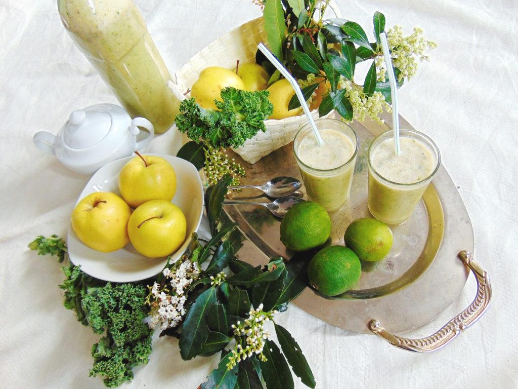 Smoothie przepisy: jarmuż, jabłko, pomarańcza, kiwi, banan.