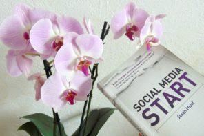 Dlaczego warto przeczytać Social Media Start Jasona Hunta.